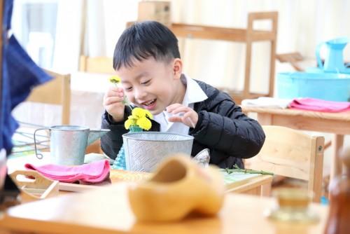 蒙特梭利幼兒課程(3-6歲)